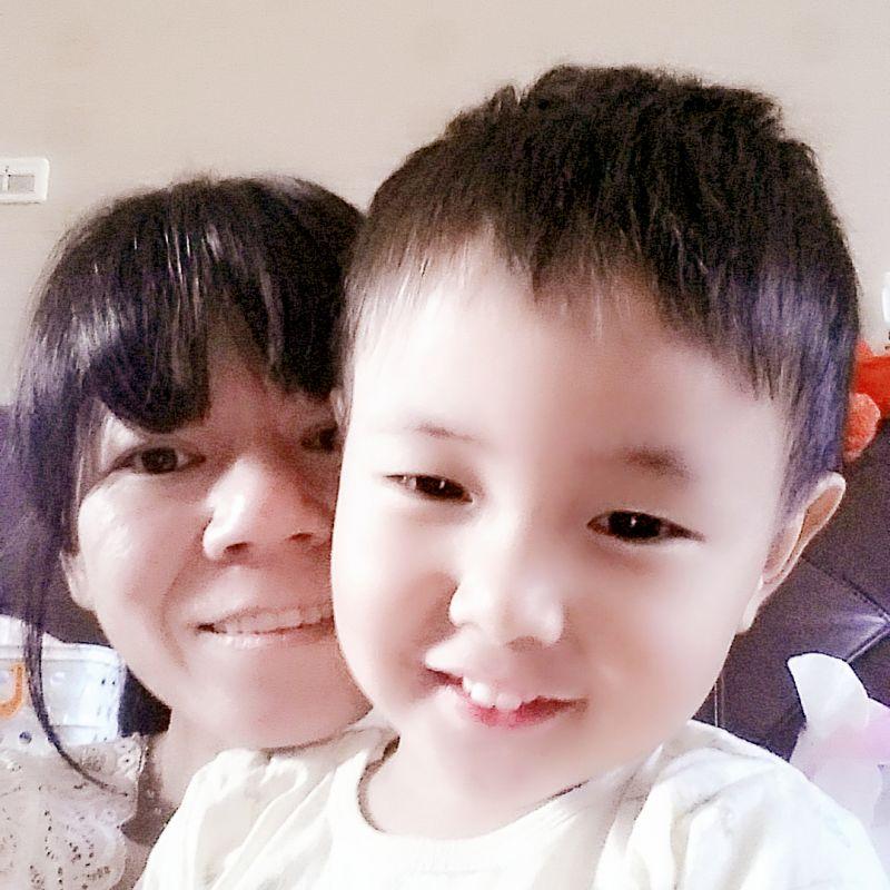 蔡小姐-保母大頭照