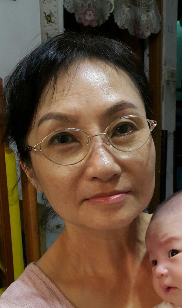 美蓮媽媽-保母大頭照